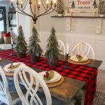 12 Easy and Cheap Christmas Decoration Ideas For Your Dining Room Comfort